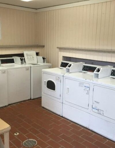 Cordoba Courts laundry room
